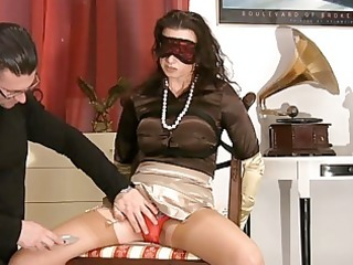 milf in satiny nylons receives blindfolded